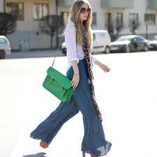 jeans a palazzo con tracolla