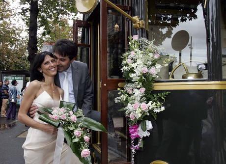 sposi in tram